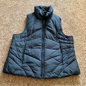 Reaction Kenneth Cole Men XL black down vest